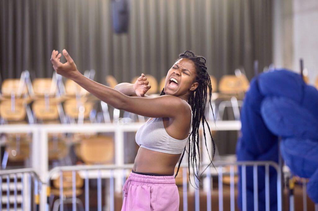 Repetities van een van de performers Sue-Ann Bel | foto: Salih Kilic