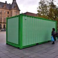 groene container met namen gemeente