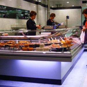 Vishandel Nico Smit aan het Wagnerplein in Tilburg