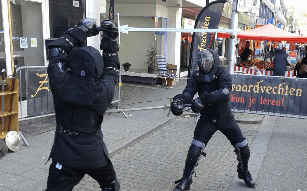 De Zwaardkring demonstreet op Koningsdag 2017