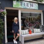Jantien Streng voor haar winkel TIEN in de Nieuwlandstraat, Tilburg