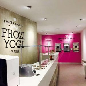 Frozi Yogi in de Heuvelstraat