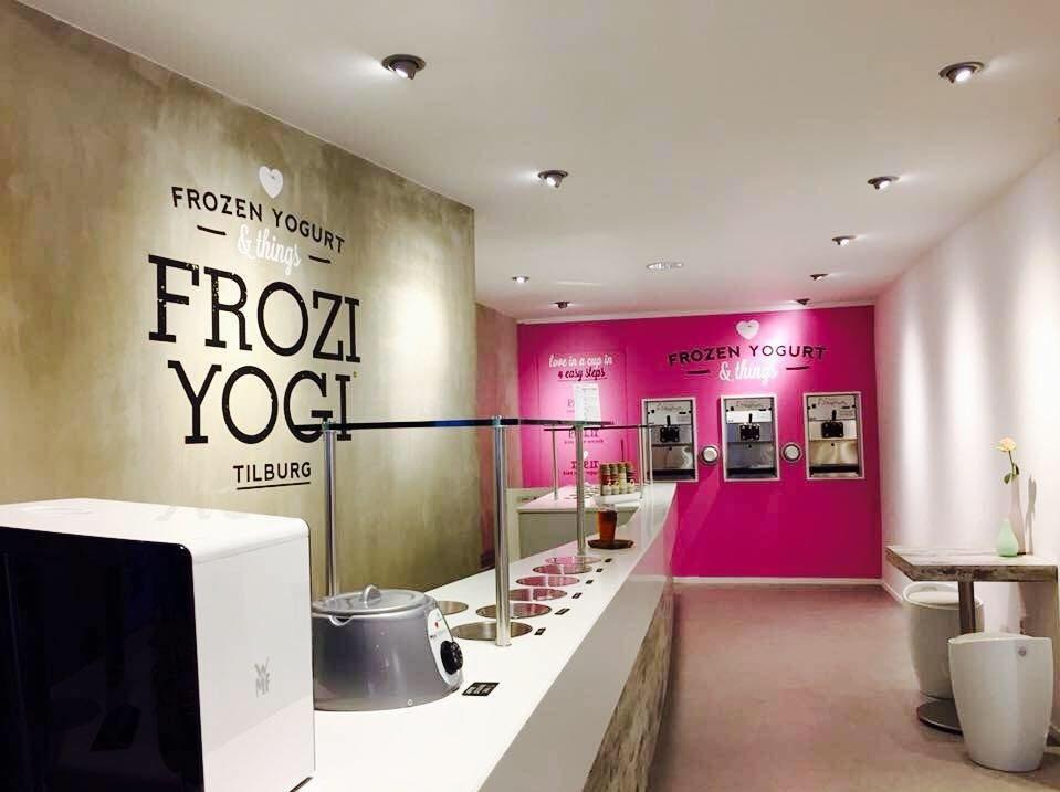 Frozi Yogi in de Heuvelstraat