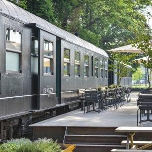Eetbar De Wagon aan de Burgemeester Brokxlaan in Tilburg