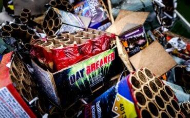 weggooien vuurwerkresten