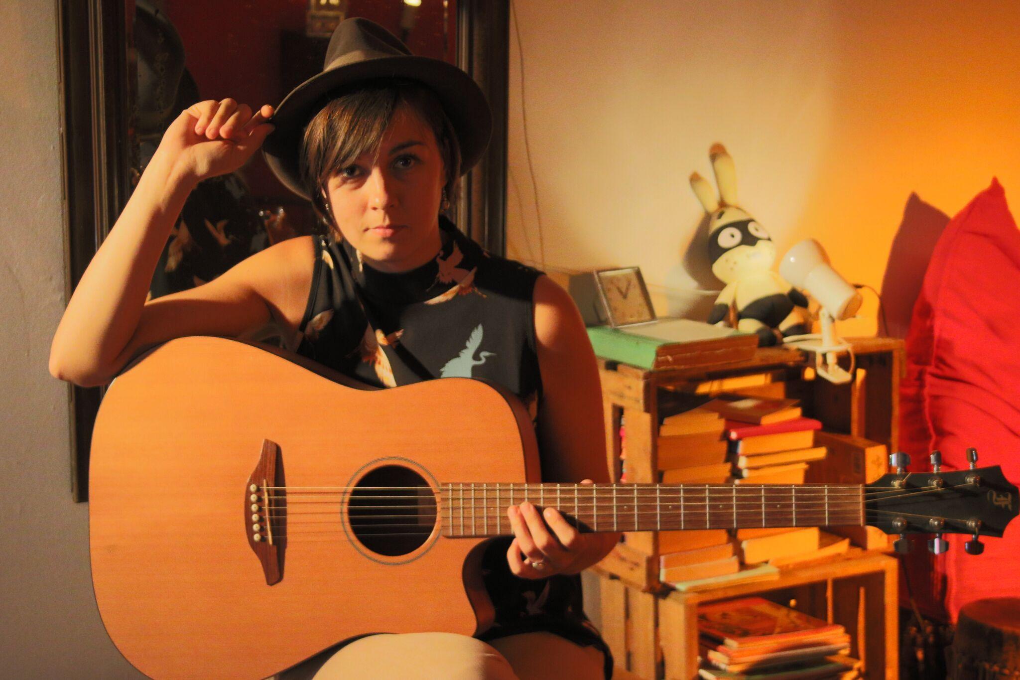 Singersongwriter Claudy