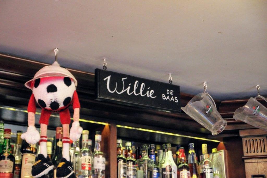 cafe domkop Utrecht barman (5)