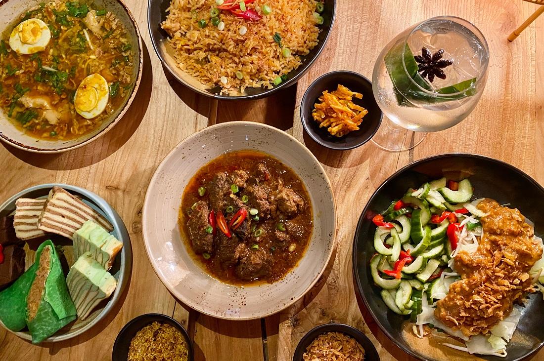 Afbeeldingsresultaat voor rijsttafel foto