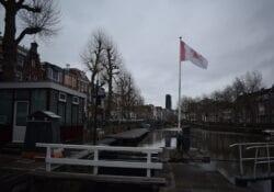 oude gracht utrechtse vlag sluizen