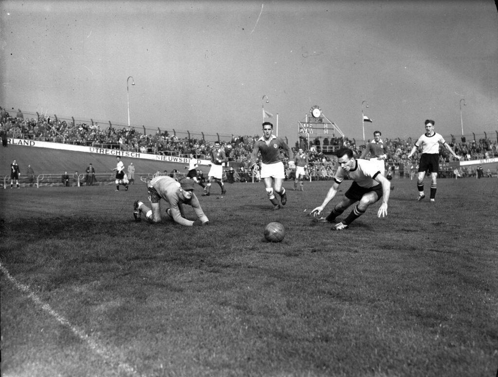 voetbalwedstrijd DOS Galgenwaard 1957