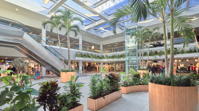 Bison Shopping Center