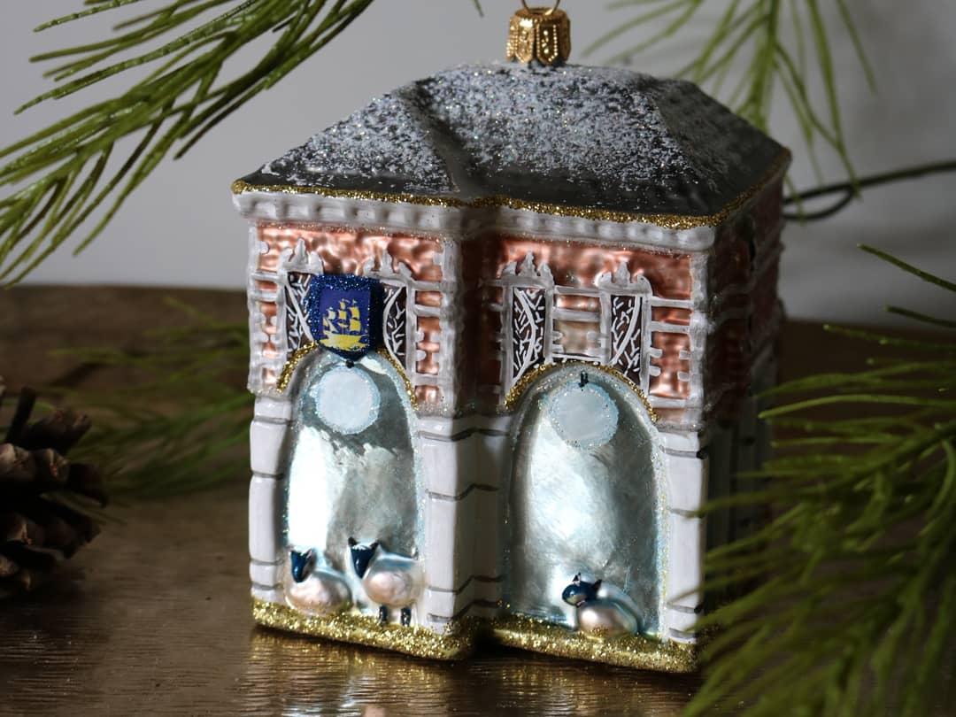 Kerstornament van de Bernard van Kreelpoort
