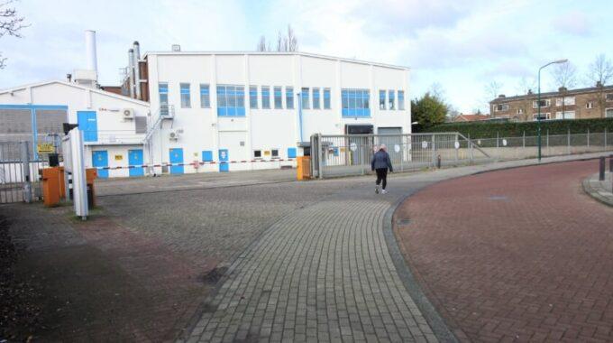De entree van Trivium Veenendaal aan de Rozenstraat. Over een paar jaar staan hier verschillende soorten huizen.