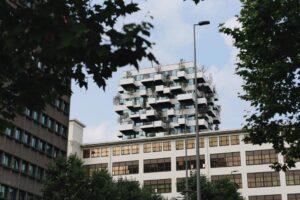 Bastion-Eindhoven-5.-Onderschrift_-Abstract-appartementencomplex-in-Eindhoven-_-Foto_-indebuurt