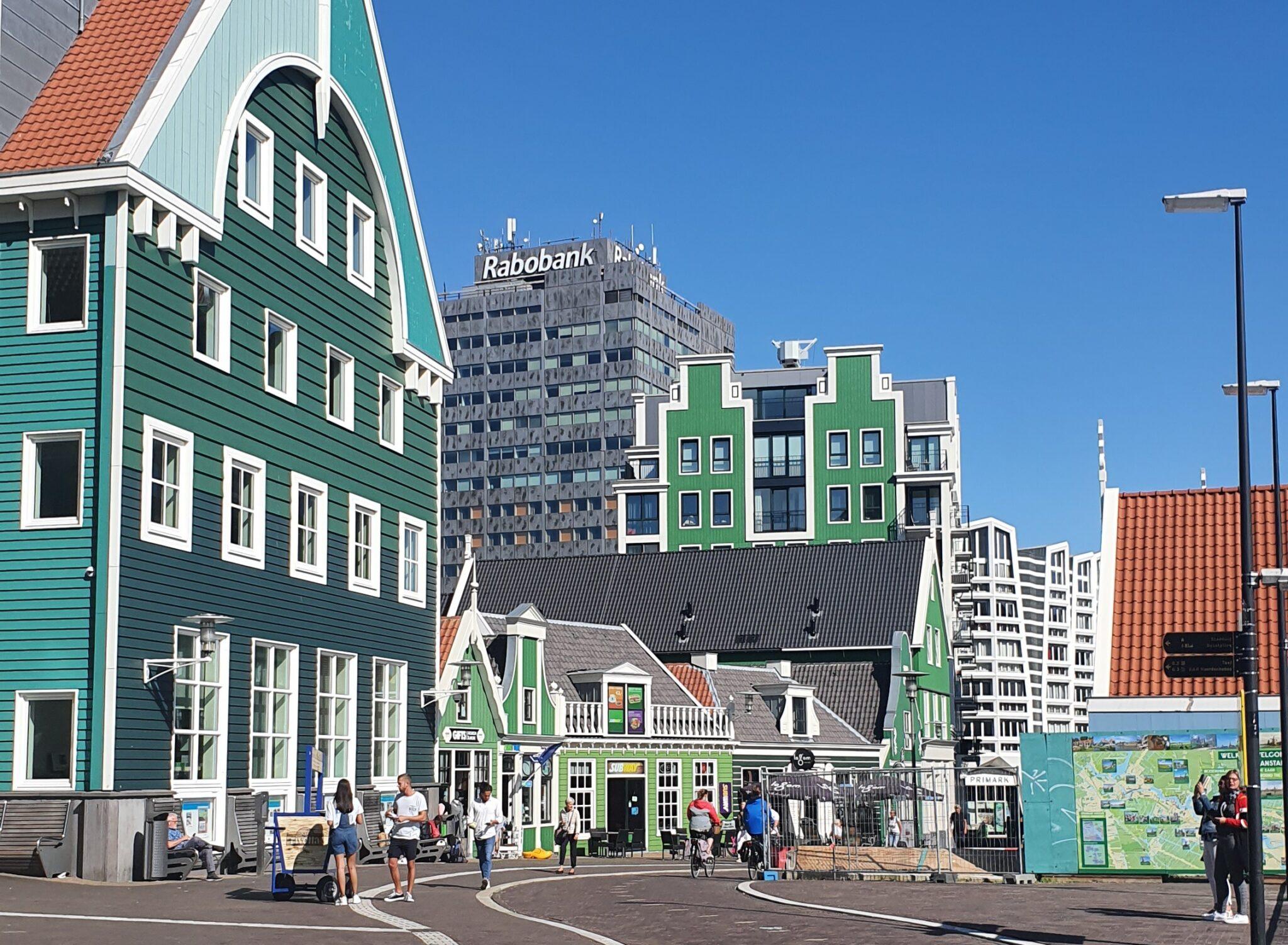 Bastion-Zaandam-1.-Onderschrift_-Zaanse-huisjes-in-Zaandam-_-Foto_-indebuurt