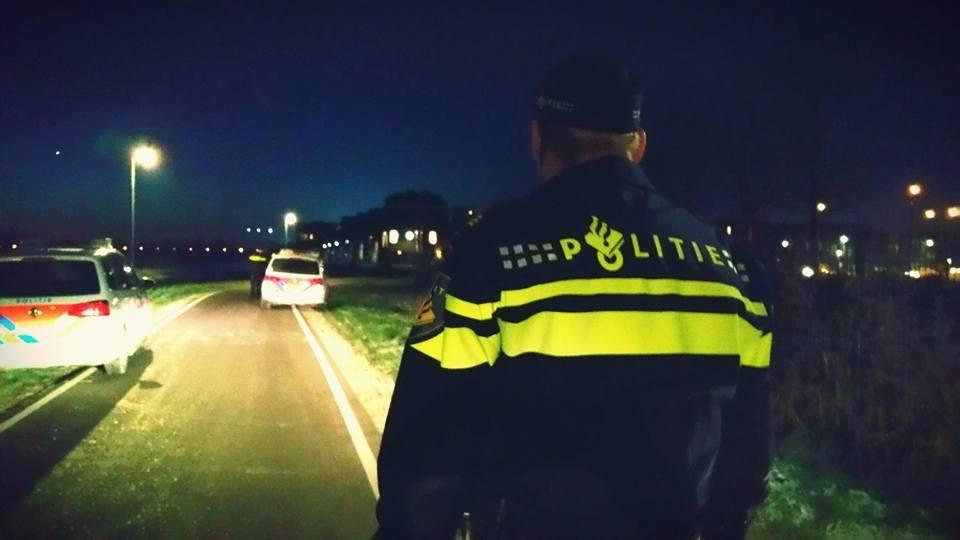 Politie Woerden controle fietsverlichting donker