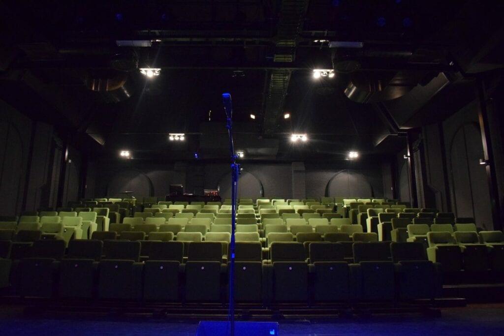 Theater Klooster nieuwe stoelen