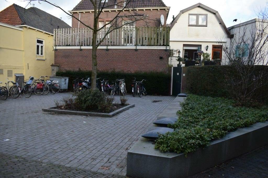 Stenen kussentje pleintje aan de Havenstraat