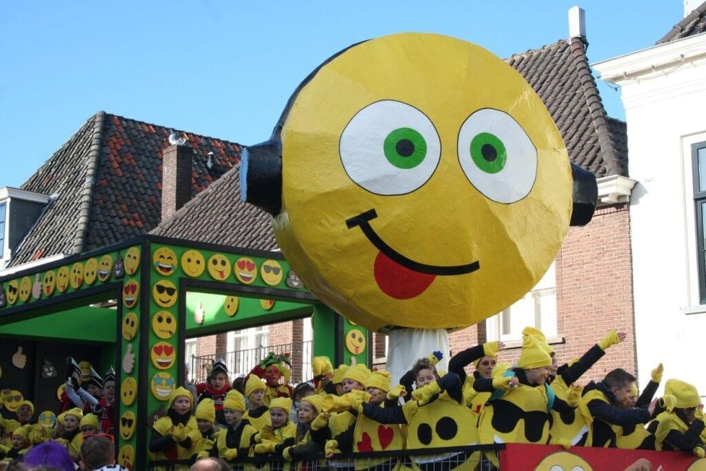 Emoji Bavoschool praalwagen carnaval Kwakbollenpoel Harmelen