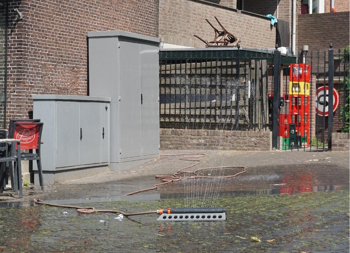 Verkoeling Pompier terras sproeier waterpret