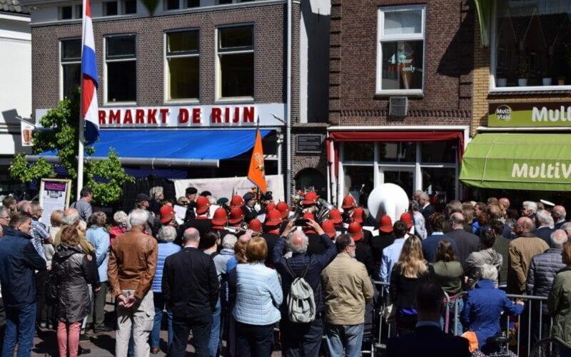 Plaquette onthulling Rijnstraat Jan van Elk