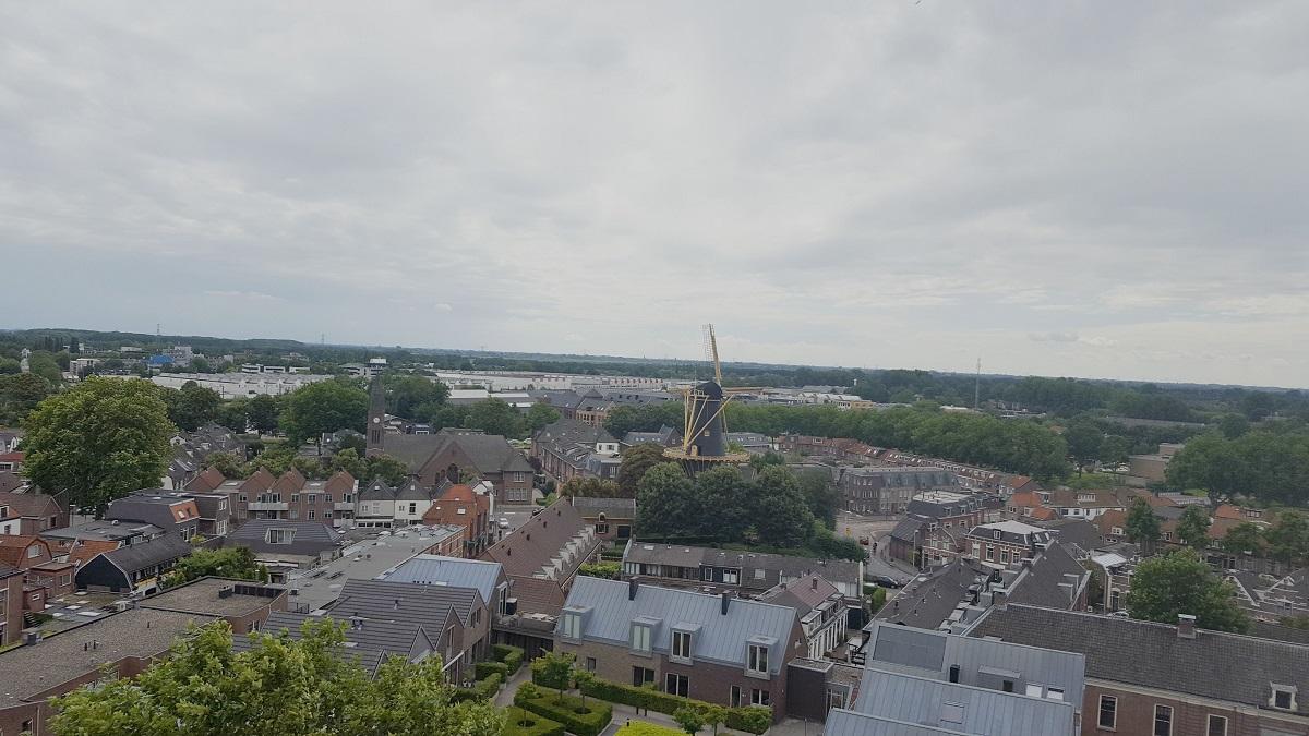 Uitzicht Petruskerk Petrustoren molen binnenstad