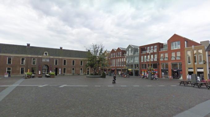 Kerkplein Woerden 2010 boom