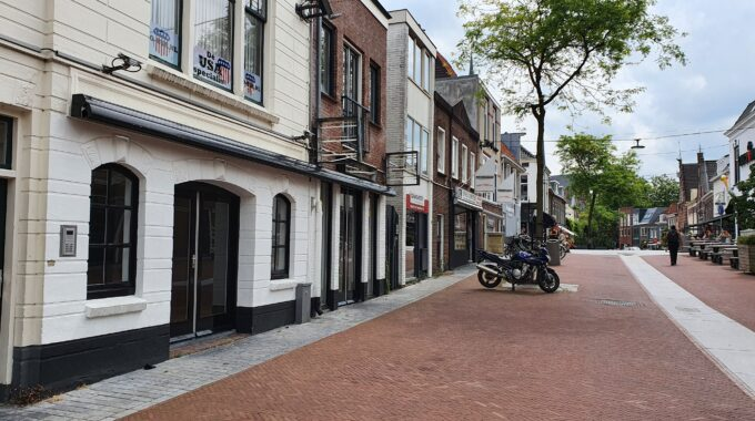 Rijnstraat 37 Woerden winkel