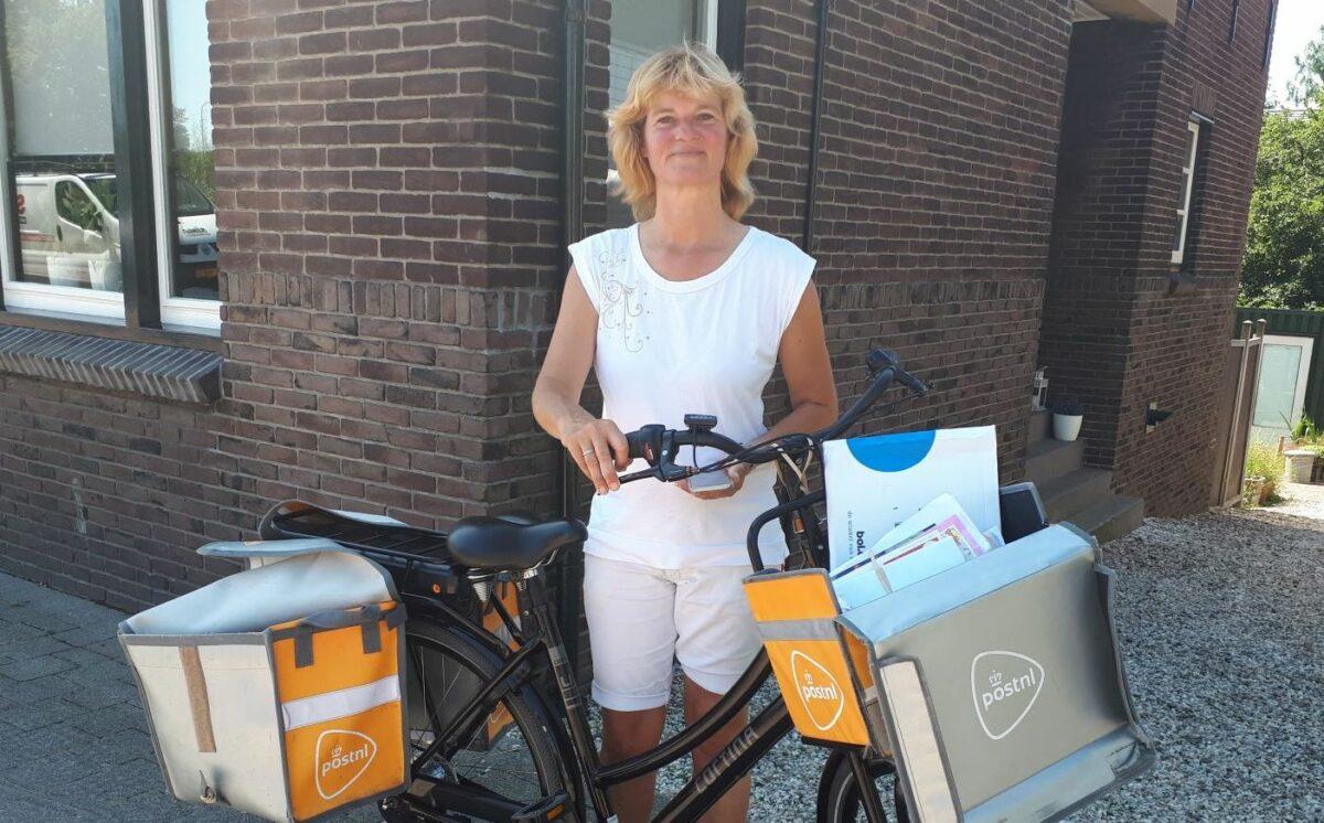 Postbode Zoetermeer