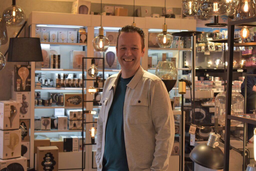 Superlicht, Michael van Minnen in de winkel
