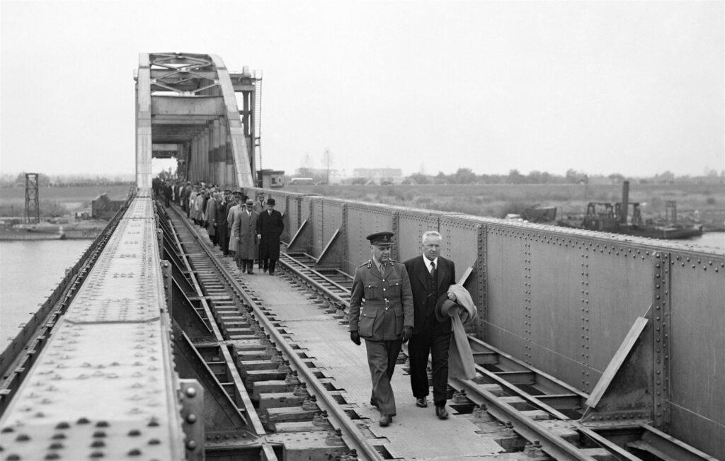 Spoorbrug Zwolle 1946