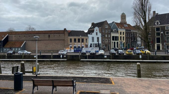 Bankjes Thorbeckegracht Zwolle