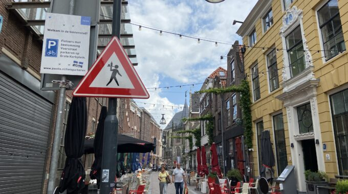 ober oversteken Zwolle